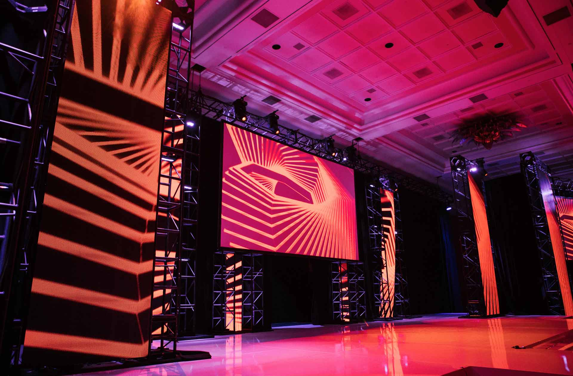 Event-Custom-Set-White-Stage-LED.jpg